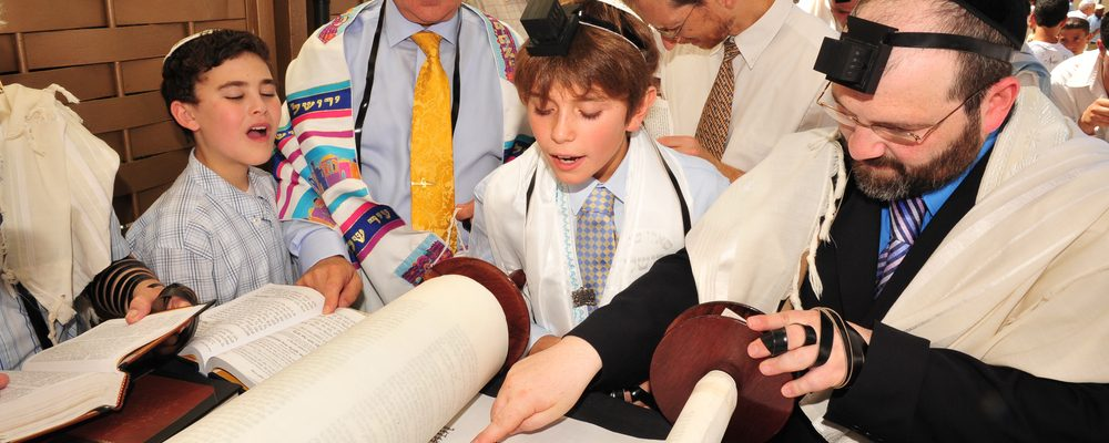 6 Tips For Throwing a Bar or Bat Mitzvah Party