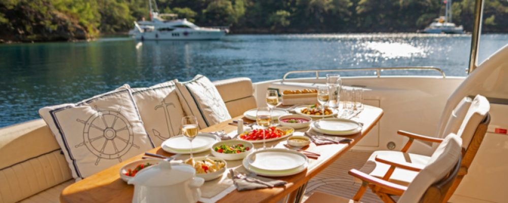 Foody Favorites for Your Yachting Adventure